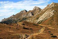 krasny pohlad na hreben belianskych tatier z predneho kopskeho sedla